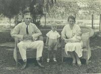Adrianus, Aart and Frouwe holding Margre in Sumatra 1936