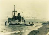 05_hofman-ship-in-lae-png-early-1944-1350-x-964