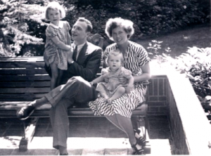 Hans Fanoy and Jeltje Fanoy (nee Boer) with their children visiting Australia