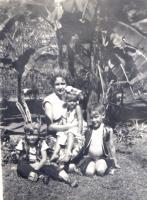 21_van-rhoon-family-107kb_0
