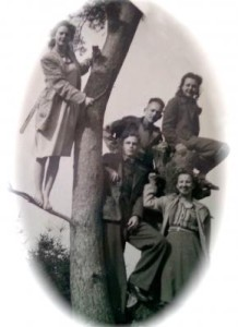 27b. Henriette and friends in Holland-1947-48 (1)