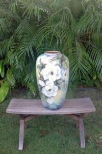 44-Kitty Drok-rose vase