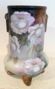 46-Kitty Drok-ceramic rose vase